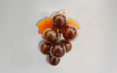 """Brooch """"Bunch of Grapes"""". 1953 Kaliningrad Amber Combine, Kaliningrad region, Yantarnii"""