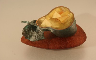 "Sculpture ""Pear"". 2006 Author Olga Badmaeva, Kaliningrad – Penza"