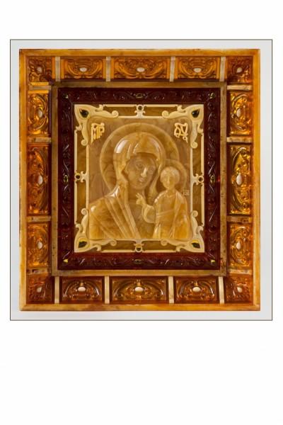 Икона «Казанская богоматерь». 2017  Автор Евгений Зубаков  Янтарь, дерево  20х20х3 см